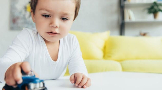 Why Less Toys Will Make Your Child a Genius