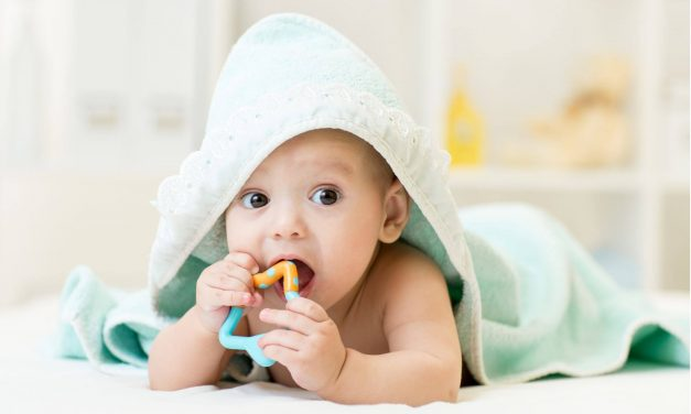 Telltale Signs Your Child is Teething + Tips to Help You (all) Survive